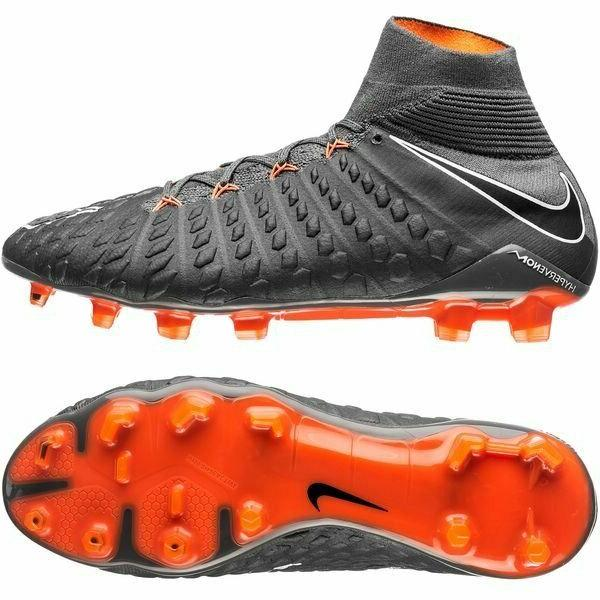Nike 3 Soccer Cleats Men's Size -